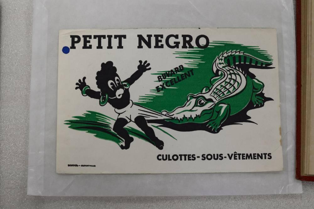 """Un buvard publicitaire de la marque de sous-vêtements """"Petit Negro"""", années 1930.  ©  Musée national de l'Éducation"""