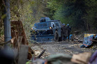 Un véhicule blindé à roues de la gendarmerie (VBRG) à Notre-Dame-des-Landes. Douze d'entre eux seront mobilisés samedi 8 décembre à Paris.  ©Valentina Camu