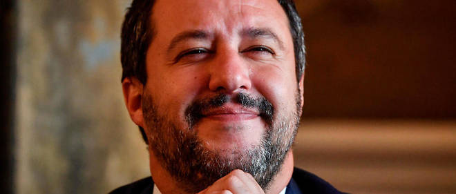 Pour Matteo Salvini, vice-président du Conseil, ministre de l'Intérieur et homme fort de la coalition au pouvoir, la descente aux enfers d'Emmanuel Macron est une victoire personnelle.
