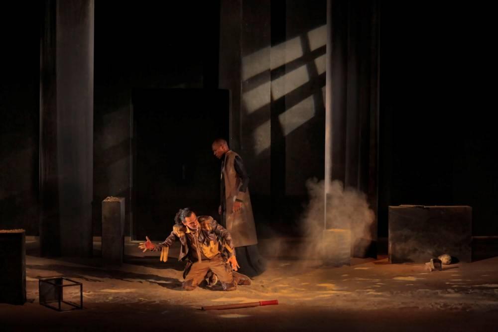 """Un tableau d'""""Absurdité"""" de Brahim Rouibaa ©  Journées théâtrales de Carthage"""