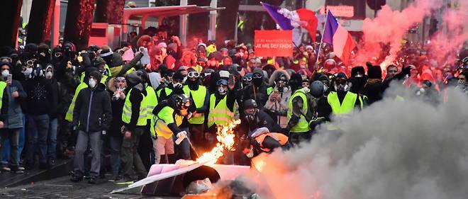 Rassemblement des Gilets jaunes à Bordeaux.