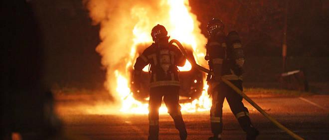 au moins 568 véhicules incendiés dans la nuit du 31 décembre le point