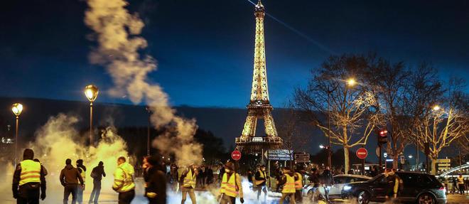 Deux mois après le début des manifestations des Gilets jaunes, François Kersaudy tente de dégager les premières conclusions d'un mouvement inédit et difficile à saisir.  ©ZAKARIA ABDELKAFI