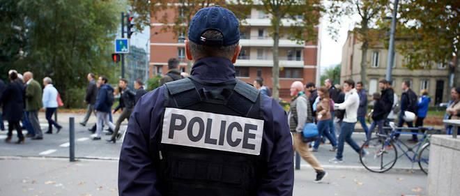 Six mineurs scolarisés au lycée Jean-Baptiste-Corot de Beauvais ont été interpellés ce mardi matin. Ils sont soupçonnés d'avoir tabassé un policier lors d'une manifestation lycéenne, le 6 décembre dernier. (Photo d'illustration)