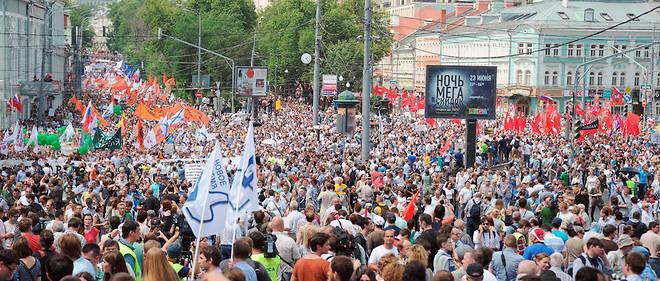 Pendant de nombreuses semaines, des manifestants se sont regroupés place Bolotnaïa à Moscou pour contester le résultat des élections.