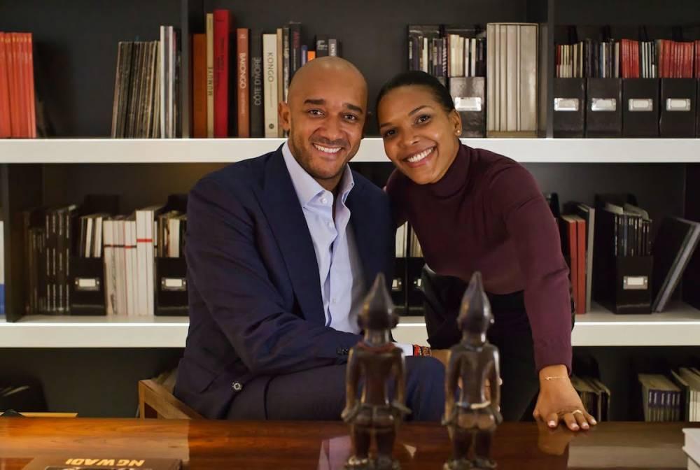 L'entrepreneur de l'Art, Didier Claes installé en Belgique. Ici avec Mathilde Lafarge, productrice du programme « Ambitions » diffusé sur TV5 Monde Afrique.  ©  Onyx / Frédie Marufu