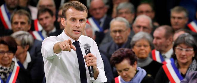 Emmanuel Macron lors de sa rencontre avec 600 maires à Bourgtheroulde, en Normandie.