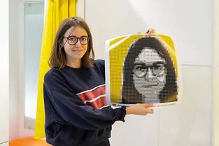 Le Mosaic Maker, disponible à la boutique Lego des Halles à Paris, permet de réaliser son portrait en petites briques de toutes les couleurs.  ©©Franck Beloncle