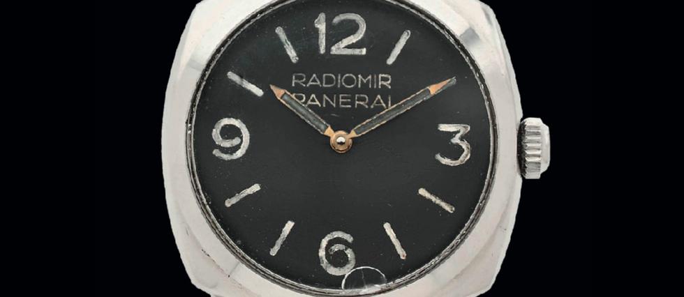 <p>Une montre de plongée vintage vendue à un quart de million d'euros.</p>