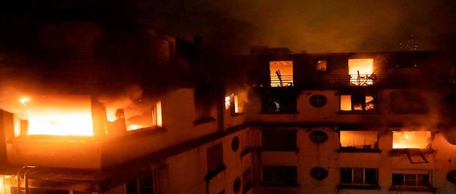 Incendie à Paris La Suspecte Va être Présentée à Un Juge D