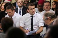 Emmanuel Macron lors de l'un de ses débats avec les maires, à Évry-Courcouronnes, le 4 février.