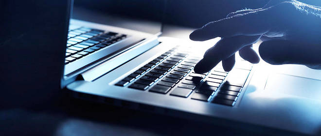 Des journalistes sont accusés d'avoir harcelé des dizaines de personnes sur Twitter et Facebook.