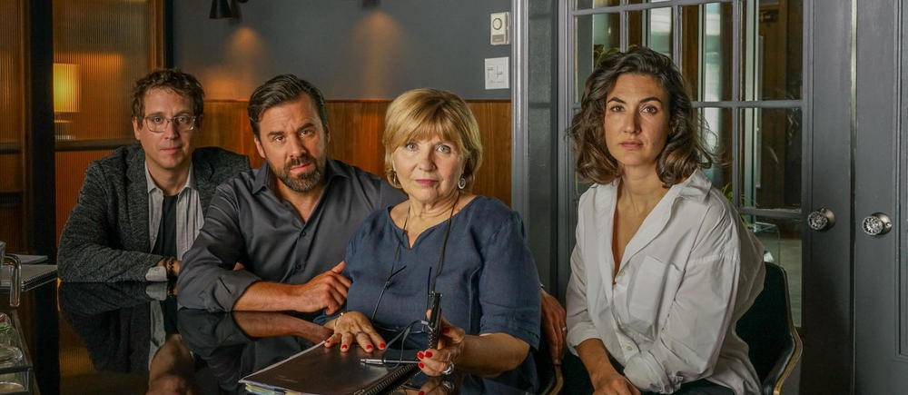 """Les Invisibles, le remake quebecois de """"Dix pour cent""""."""