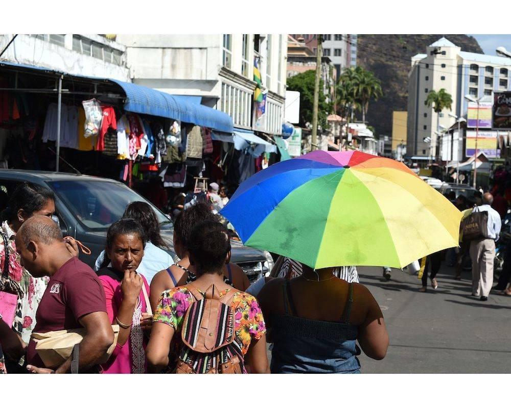 La vie économique dynamique se voit dans les activités de rue de la capitale, Port-Louis. ©  Sebastian Kahnert / ZB / Picture-Alliance/AFP