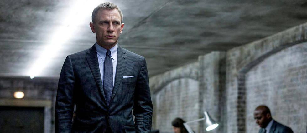 <p>La sortie de «James Bond 25 » est repoussée de deux mois après l'arrivée d'un nouveau scénariste.</p>
