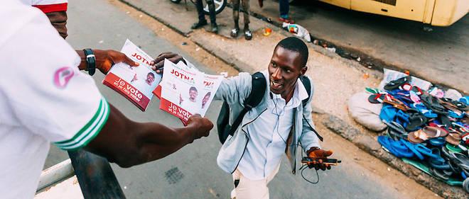 Lancée par des citoyens sénégalais sur les réseaux sociaux, #Sunudebat visait à rassembler les candidats à l'élection présidentielle à l'occasion d'un débat télévisé.