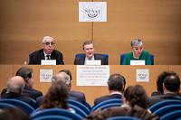 La commission des lois du Sénat, son président Philippe Bas au centre et les rapporteurs Jean-Pierre Sueur et Muriel Jourda.