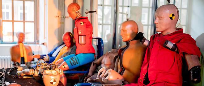 Les mannequins utilisés pour les crashs tests sont construits selon la corpulence de «l'homme référence». Un biais dénoncé par la journaliste britannique Caroline Criado Perez.