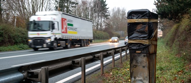 Plus de 60 % des radars neutralises, exces de vitesse en hausse de 268 % et accidents en baisse, le 80 km/h servirait-il a autre chose qu'a brimer les Francais ?