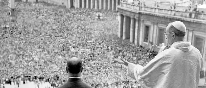 Alors que Jean XXIII, Paul VI et Jean-Paul II ont été canonisés, le procès en béatification de Pie XII, relancé en 2009 par Benoît XVI, est au point mort en raison de ces controverses.