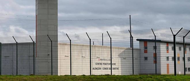 Michaël Chiolo a poignardé mardi matin deux surveillants de la prison de  haute sécurité de Condé-sur-Sarthe (Orne), une action qualifiée de «  terroriste » par la ministre de la Justice Nicole Belloubet.