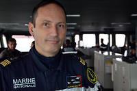 Le capitaine de vaisseau Marc-Antoine de Saint Germain, commandant du porte-avions «Charles de Gaulle», sur la passerelle de navigation du navire, fin janvier 2019.