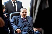 Les Algériens ont manifesté pendant plus de deux semaines contre un nouveau mandat de leur président.