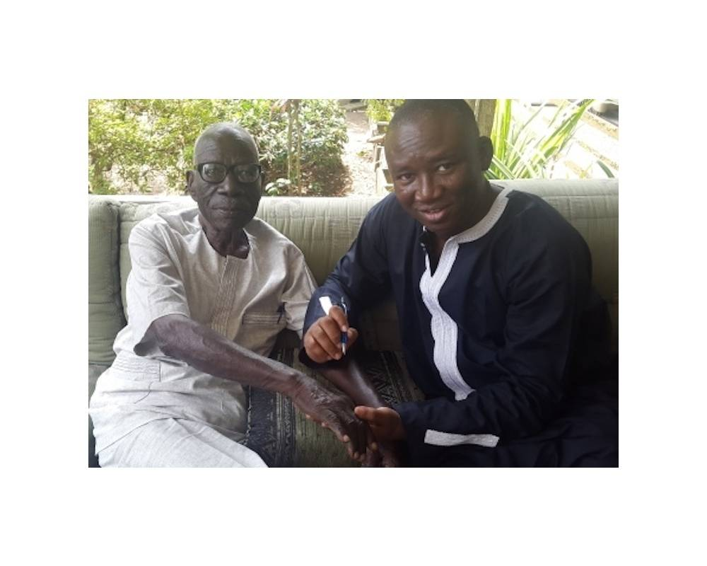 Bios Diallo et Bernard Dadié à Abidjan en novembre 2016.  ©  Bios Diallo