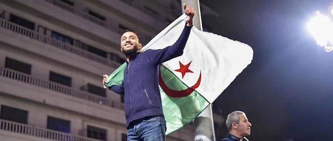 À Alger, le 11 mars au soir, après l'annonce du retrait d'Abdelaziz Bouteflika.