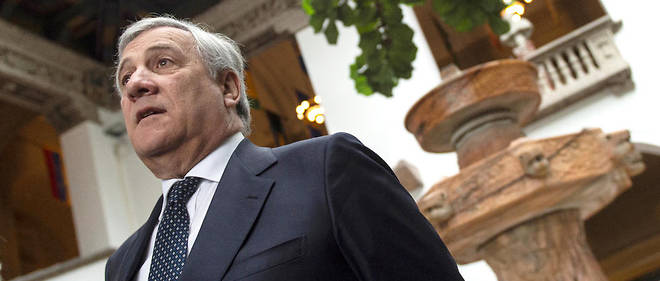Antonio Tajani a défendu le bilan de Mussolini en Italie notamment pour les infrastructures.