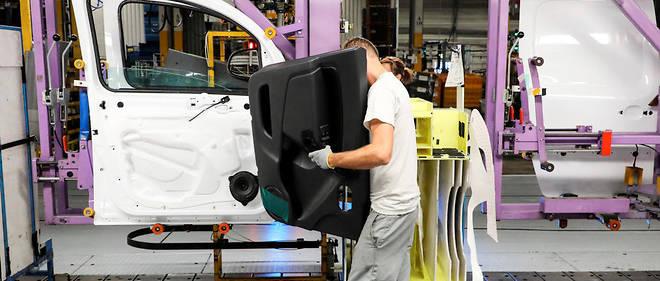 Ligne d'assemblage de l'usine Renault à Maubeuge. L'industrie française a cessé de détruire des emplois en 2018.