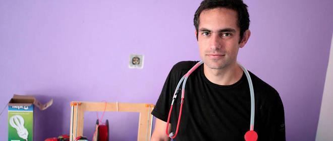Le docteur Tarek Loubani est un médecin urgentiste canadien d'origine palestinienne. Habitué de la médecine humanitaire, ce professeur associé à la University of Western Ontario a évolué dans des zones de conflit d'Irak en Égypte.