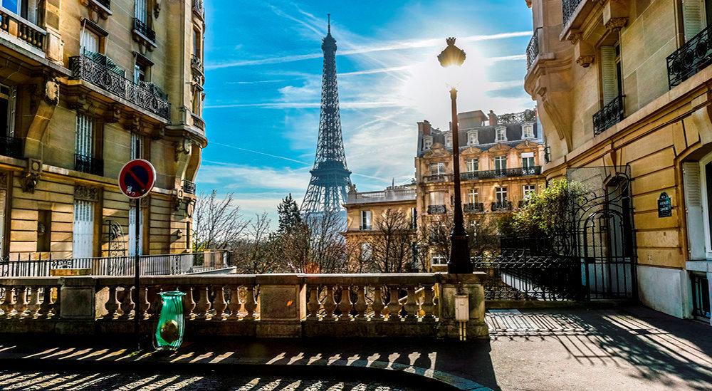 Records. Dans le quartier de la Muette. Le 16e fait partie, avec les 3e, 4e, 5e, 6e et 7e, des six arrondissements les plus chers de Paris où le seuil des 11 000 €/m2 est souvent franchi.