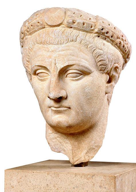 Roi maudit.Tiberius Claudius Germanicus, dit Claude (10av. J.C.-54), 4eempereur romain.