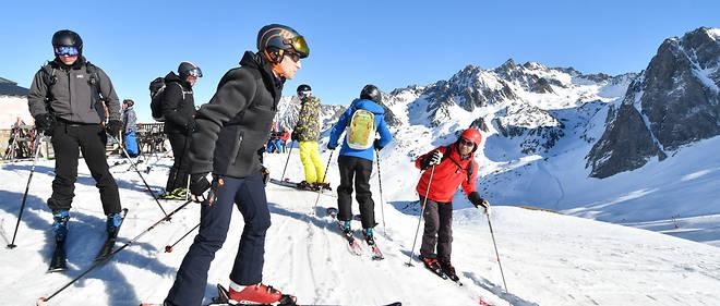 Emmanuel Macron au ski le 15 mars.