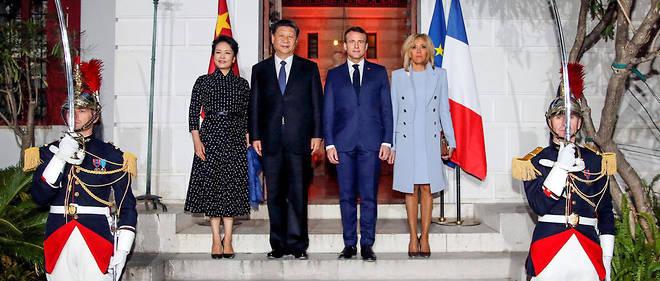 Avant le dîner d'État donné ce soir à l'Élysée, Emmanuel Macron et sa femme Brigitte ont déjà reçu le président chinois XI Jinping et son épouse Peng Liyuna à Beaulieu-sur-Mer, le 24 mars 2019.