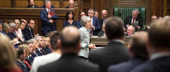 Le Parlement britannique a voté lundi soir un amendement, contre l'avis de Theresa May, permettant d'organiser une série de «votes indicatifs» sur des Brexit alternatifs.