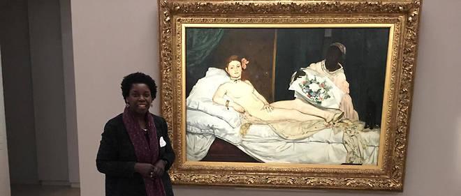 Denise Murrell au musée d'Orsay devant l'«Olympia» de Manet.