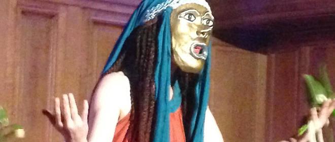 Lundi 25 mars, des membres de plusieurs organisations ont interdit le déroulement d'une pièce du dramaturge grec Eschyle, Les Danaïdes, au motif que le metteur en scène, l'helléniste Philippe Brunet, s'est livré à « des déguisements raciaux » (blackfaces).