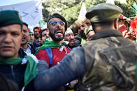 Des vétérans de la guerre civile algérienne sont descendus dans la rue pour réclamer le départ d'Abdelaziz Bouteflika.