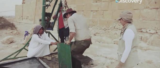 Josh Gates, le présentateur-star de Discovery Channel, a ressorti son costume d'Indiana Jones pour le prochain épisode de son émissionExpedition Unknown: Egypt Live(Expédition inconnue: Égypte en direct).