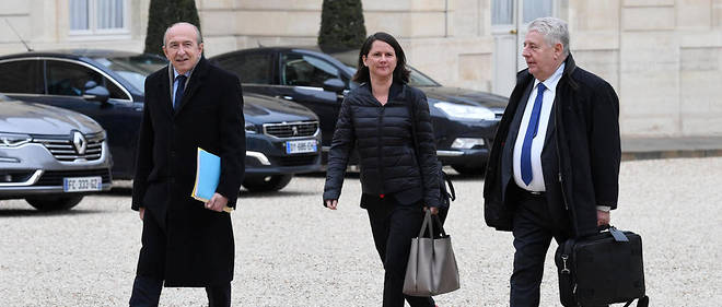 Le maire de Lyon Gérard Collomb, la maire de Nantes Johanna Rolland et Jean-Louis Fousseret, le maire de Besançon, arrivent à l'Élysée, le 9 avril 2019.
