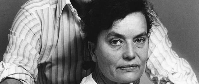L'époux de Claude Lalanne, François-Xavier, partenaire artistique depuis 1952, est décédé en 2008.