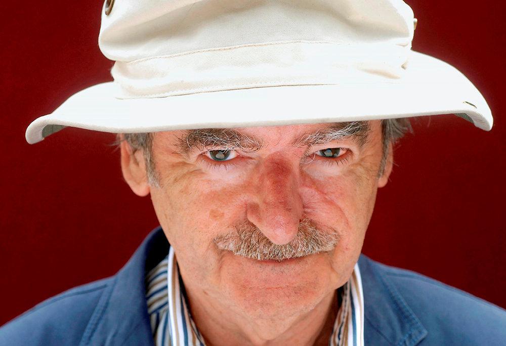 Majeur. A 84ans, David Lodge poursuit lalecture de sa propre vie. «Outre qu'il amuse, Lodge est méchant. Enfin de compte, ilditdu mal, mais avec quel délice, du monde dans lequel il vit», remarquait Umberto Eco à propos de l'auteur d'«Un tout petit monde».
