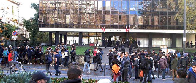 Le rectorat de Grenoble a pris la décision de fermer l'établissement avant la fin de la procédure judiciaire.