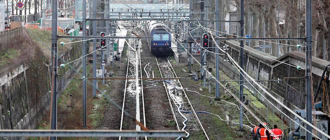 On déplore en France 30 à 40 morts par an, soit 1% environ de la mortalité routière, sur les passages à niveau,