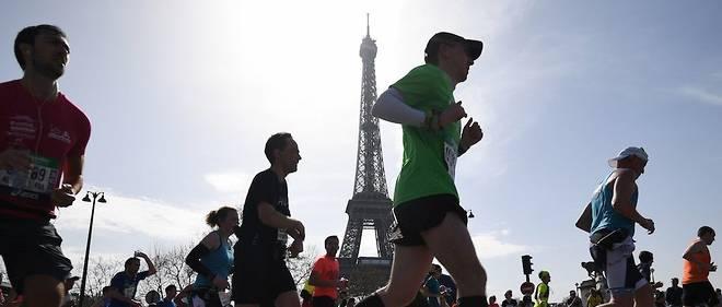 Alors que le marathon de Paris a lieu ce dimanche, 94 % de l'empreinte carbone de l'événement est issue des avions pris par les participants afin de se rendre dans la capitale.