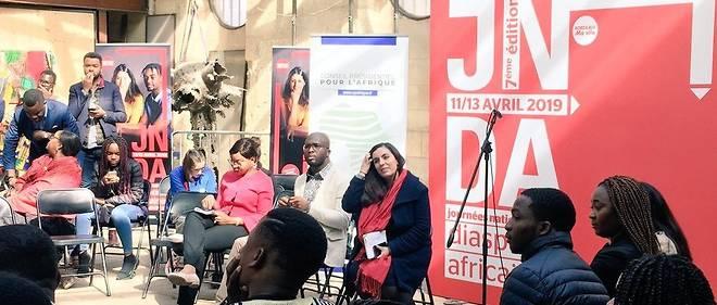 Lancement du 1er débat «Étudier et se former en Afrique et en France» par Sarah Toumi, membre du Conseil présidentiel pour l'Afrique.