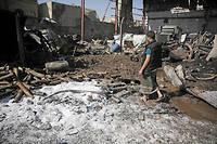 À Sanaa, après un raid aérien, probablement conduit par l'Arabie saoudite.