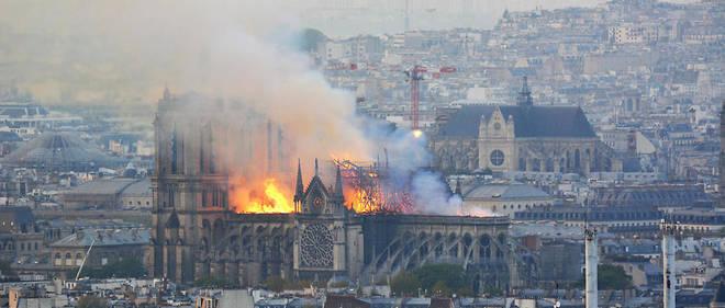 Les réactions internationales affluent après l'incendie qui a ravagé dans la nuit du 15 avril la cathédrale Notre-Dame de Paris.